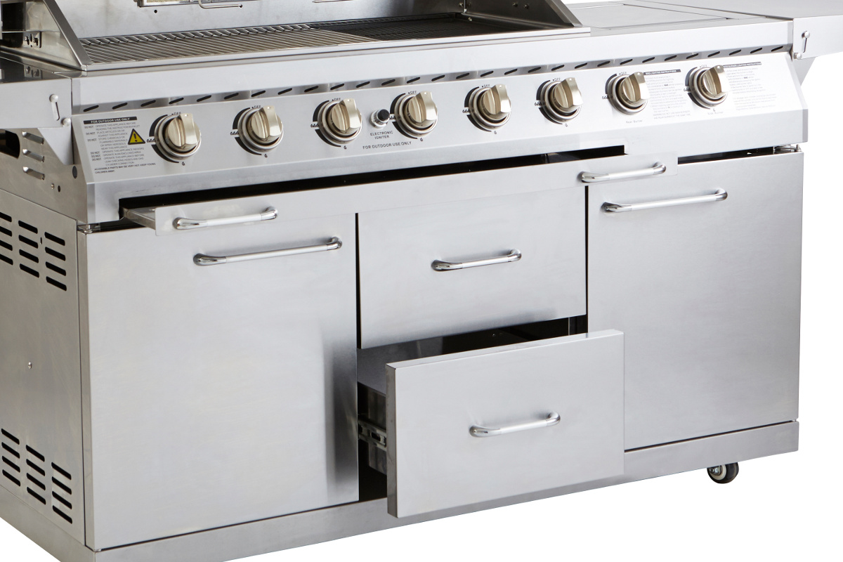 Signature 6 burner outback barbecues for Ample storage space